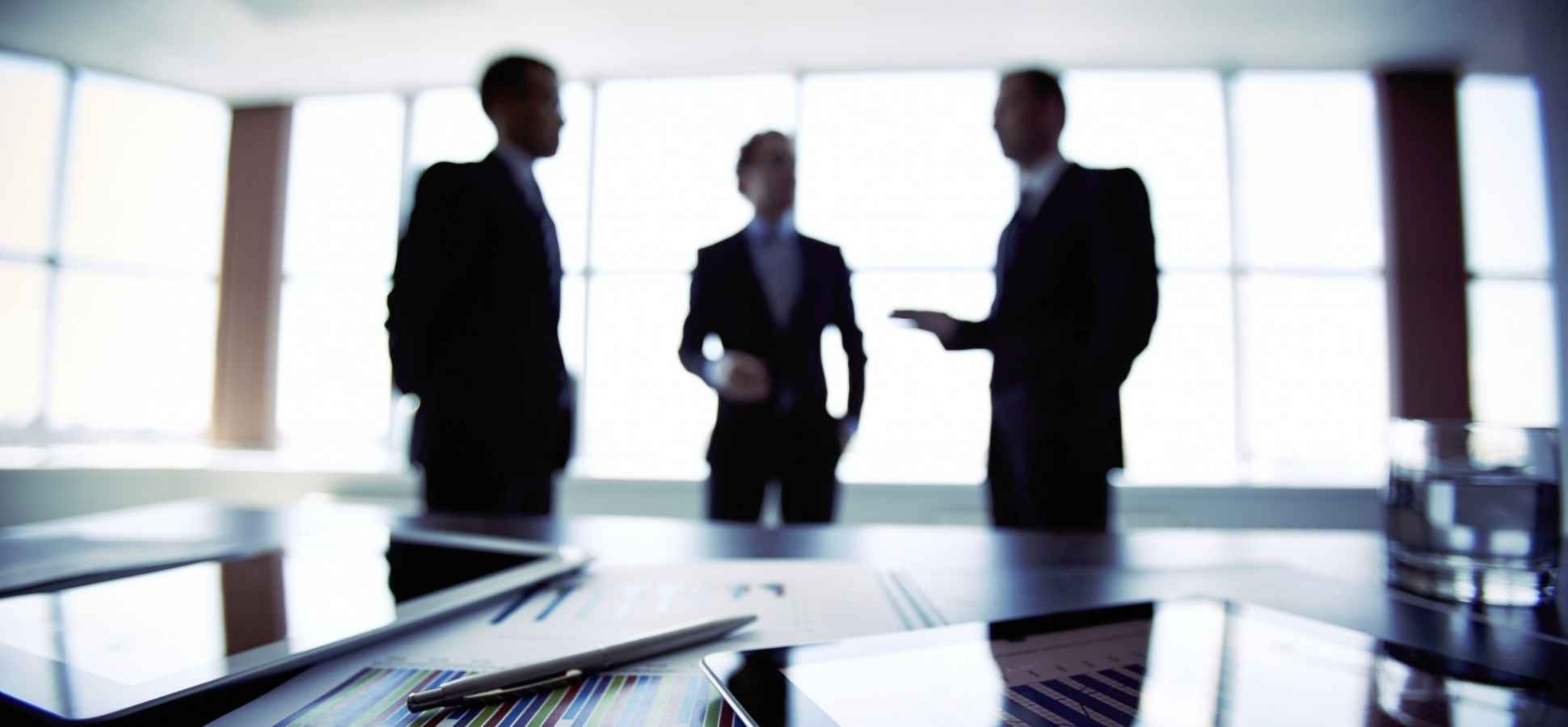 10 action verbs that define a great leader (hint: they all start ...