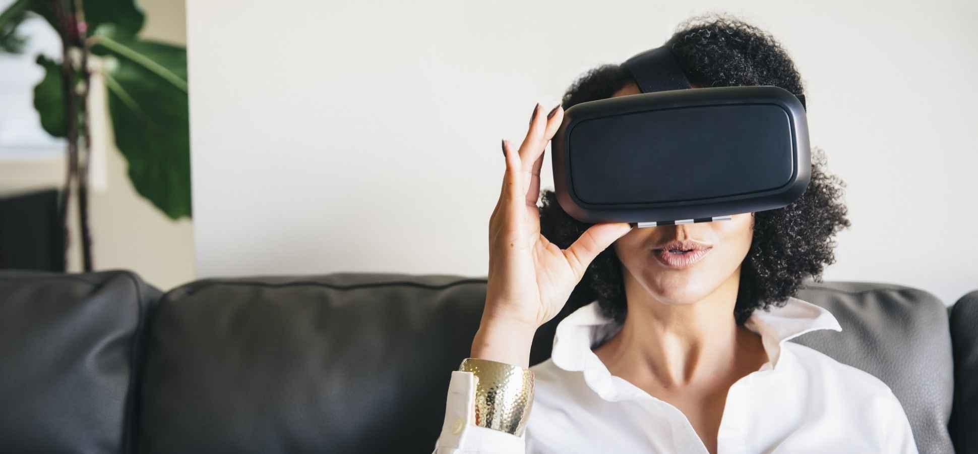 Revolutionizing Digital Marketing: Virtual Reality and Augmented Reality