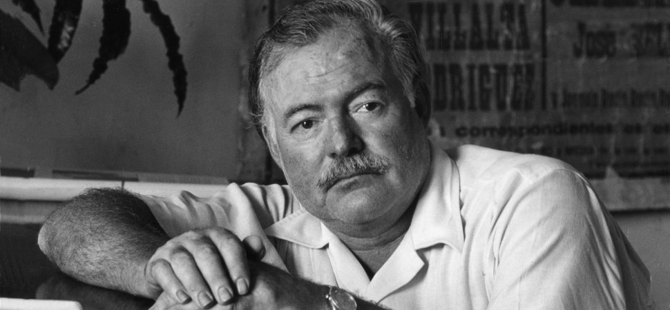 the 9 best tips on writing from ernest hemingway