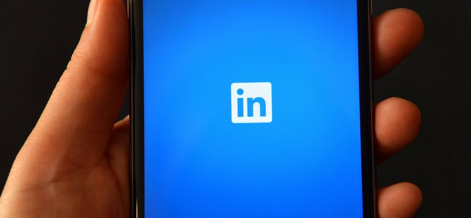 The Huge Mistake People Are Making on LinkedIn's Mobile App