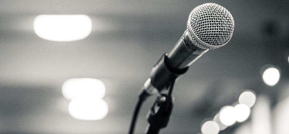 presentation-speech-1940x900_35890.jpg