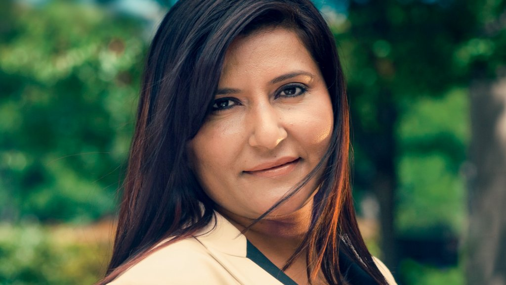 <b>Breaking the Mold</b> Sundeep Bhandal wanted more than her patriarchal Indian town could offer.
