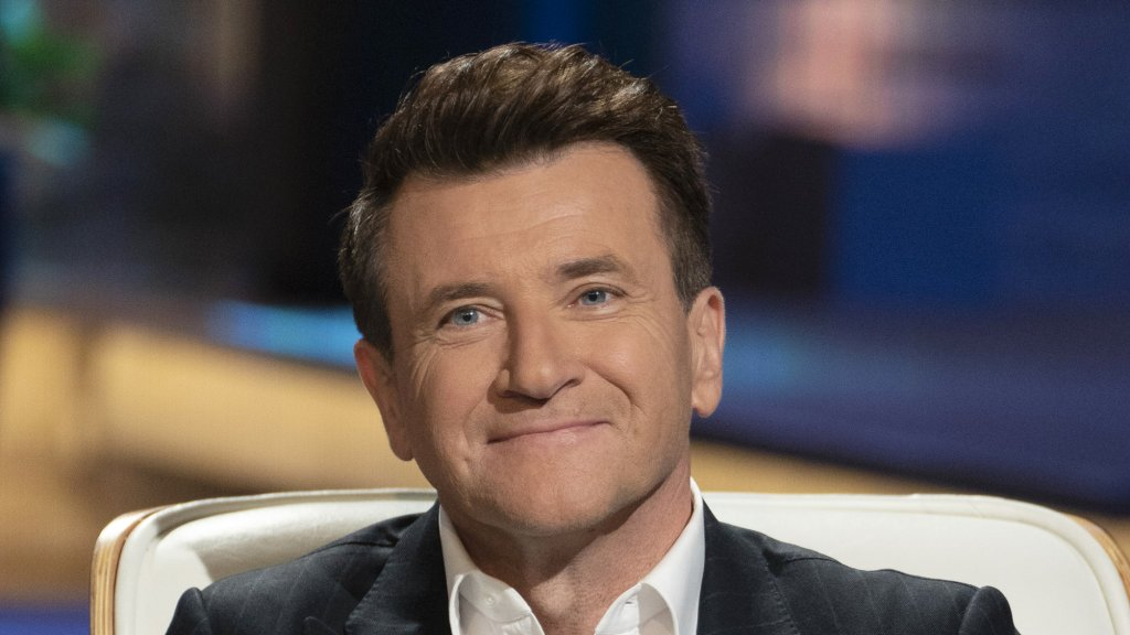 An Ex-FBI Negotiator Used 2 Simple Questions to Sell to 'Shark Tank' Investor Robert Herjavec