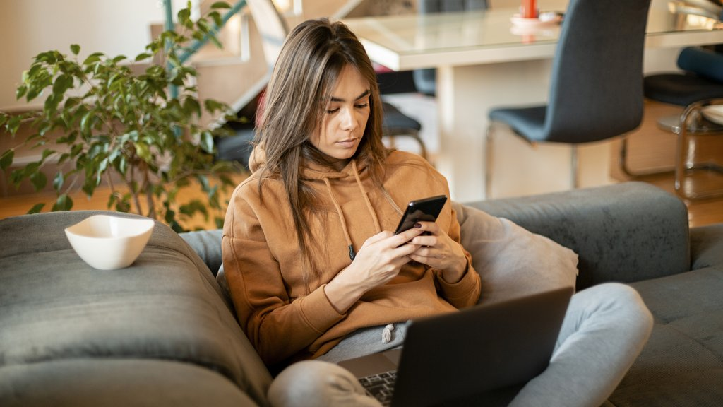 5 Ways to Fight Loneliness While Working From Home
