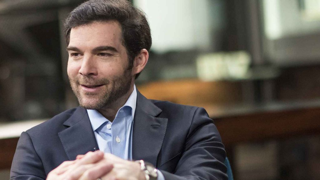 In Just 3 Words, LinkedIn's CEO Taught a Brilliant Lesson in How to Find Great People