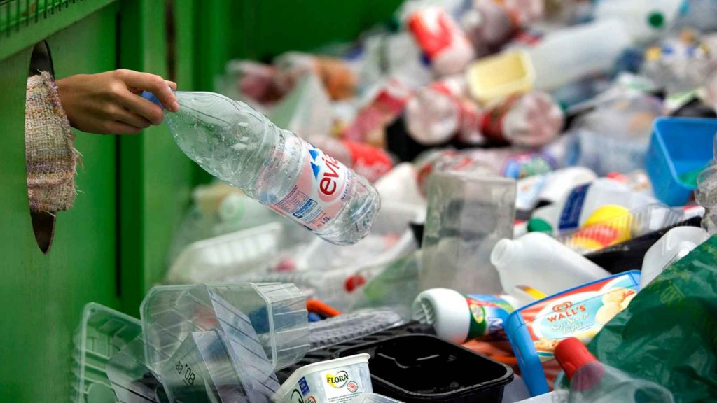 How This $500 Million Company Empowers Trash Startups