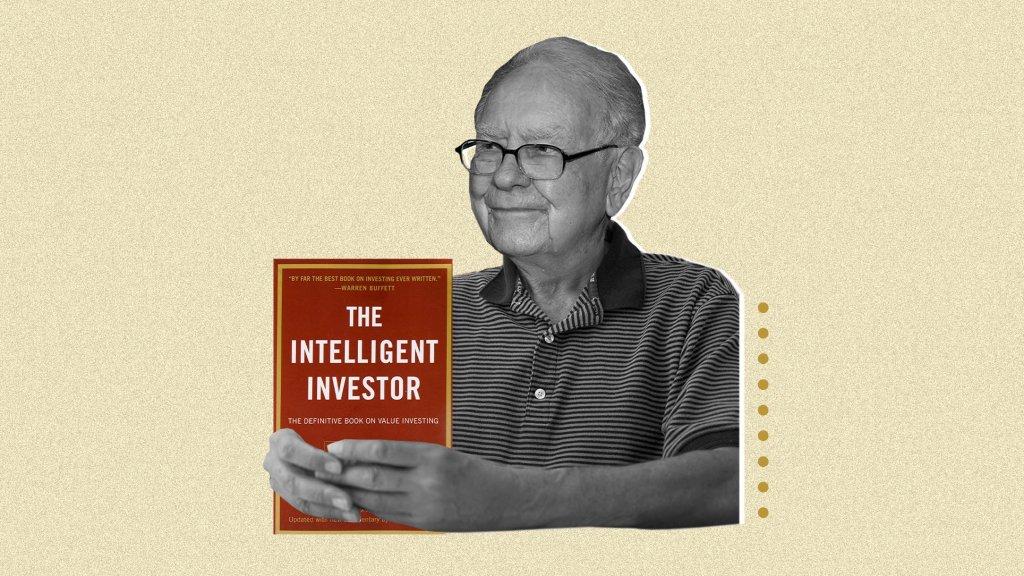 Warren Buffett Recommends These 33 Books to Berkshire Hathaway Shareholders