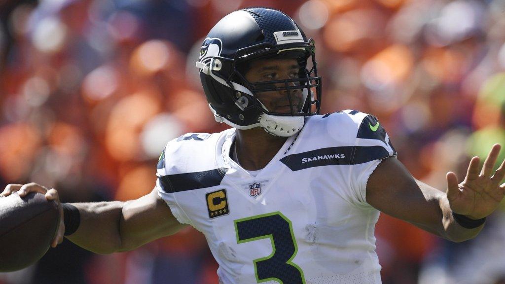 Seattle Seahawks Quarterback Russell Wilson Just Gave 13 Teammates $12,000 in Amazon Stock
