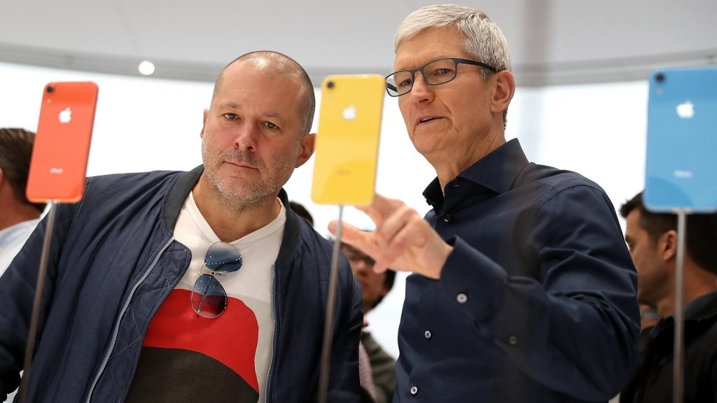 Top Apple Designer Jony Ive Heads Off to Become an Entrepreneur