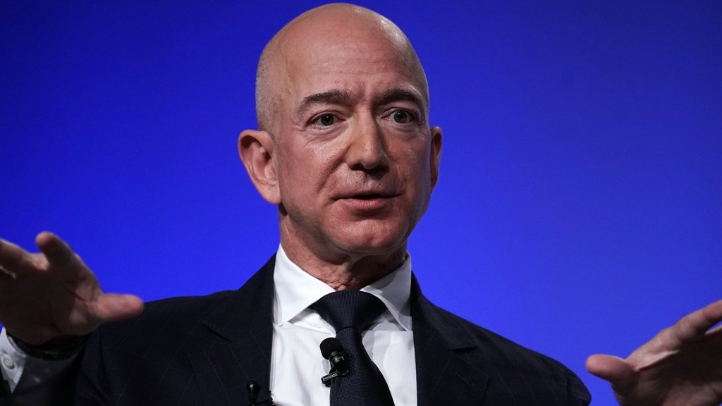 Jeff Bezos Says This Is the Single Biggest Sign That Someone Is Intelligent (It's Counterintuitive)