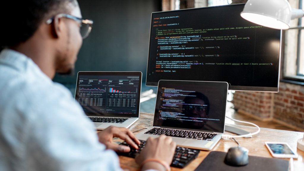 Want to Learn to Code? Here Are the 5 Programming Languages You Should Learn in 2020