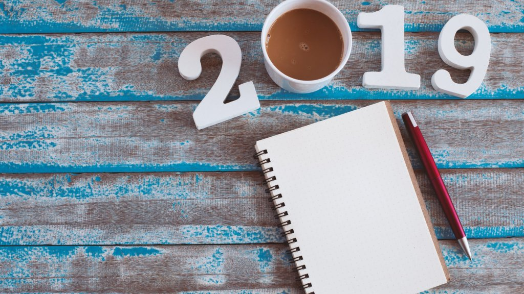 10 Insanely Easy-to-Follow New Year's Resolutions that Create Success Except for 1 Select Group