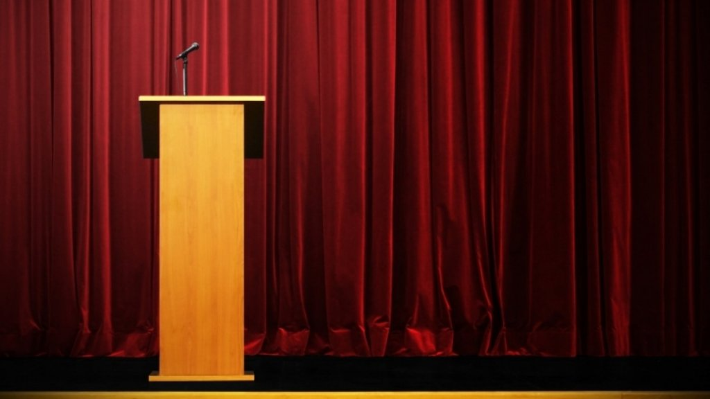 How I Conquered My Crippling Fear of Public Speaking