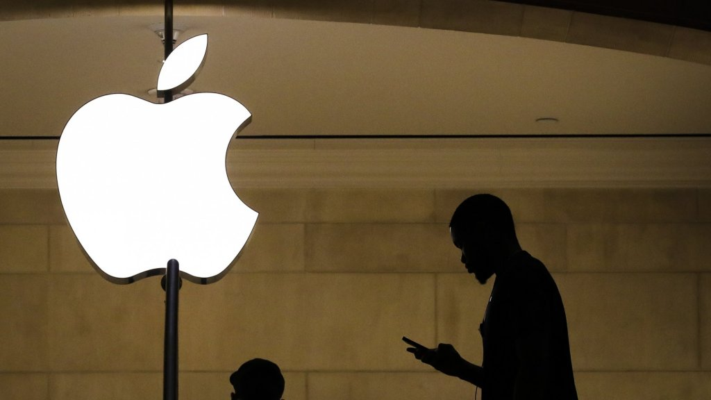 Here's How Apple Plans to Reopen Stores in April