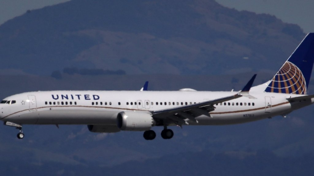 United Airlines' CEO Just Made a Huge Announcement That Will Give Passengers Hope (Will American Airlines Follow?)