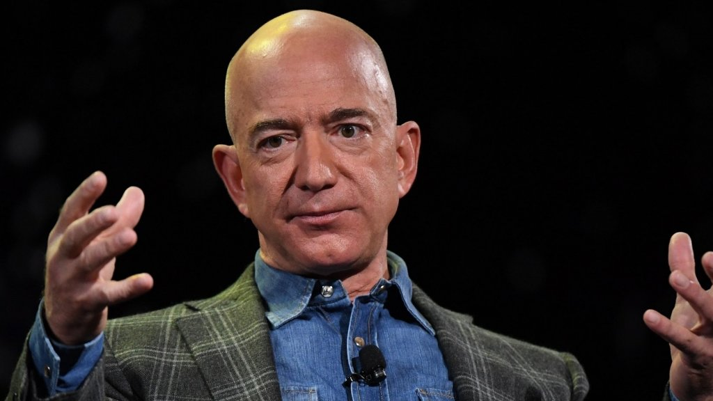 Jeff Bezos Says All Good Leaders Use This 1 Thing to Motivate and Inspire High Performing Teams