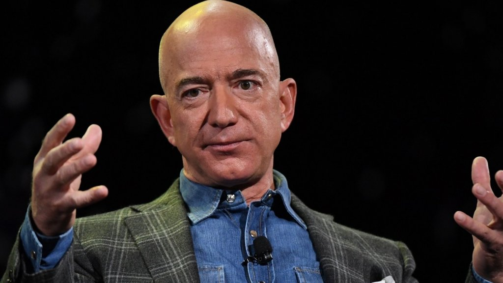 A Harvard Student Told Jeff Bezos Something No CEO Wants to Hear. Worse Was the Way He Said It