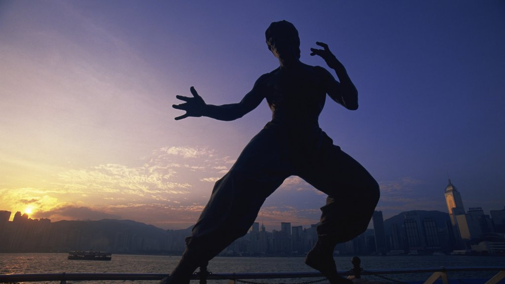What Do Warren Buffett and Bruce Lee Have in Common? It Will Make You a High Performer