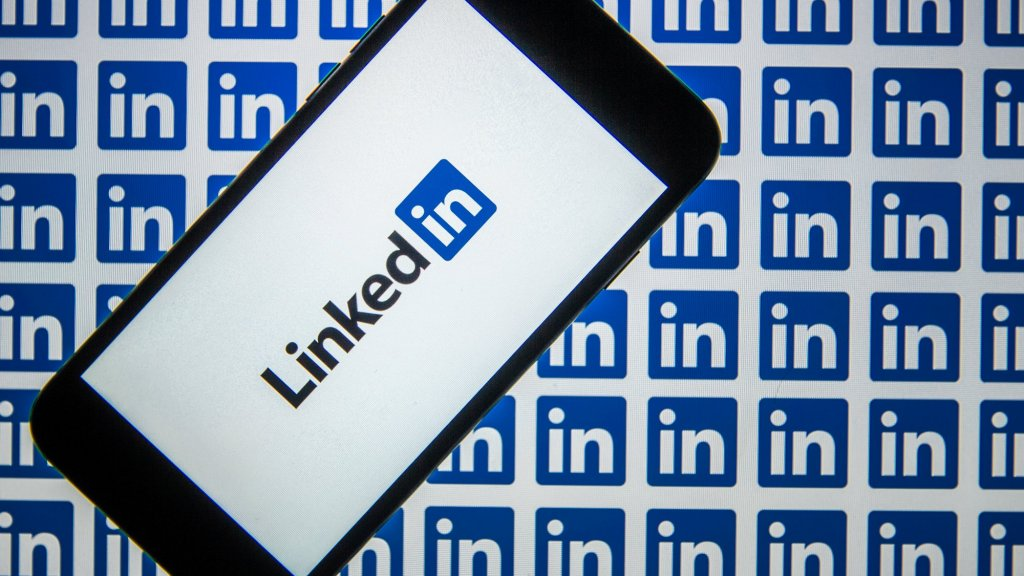 3 LinkedIn Secrets That Actually Work, From Bestselling Author Brad Meltzer