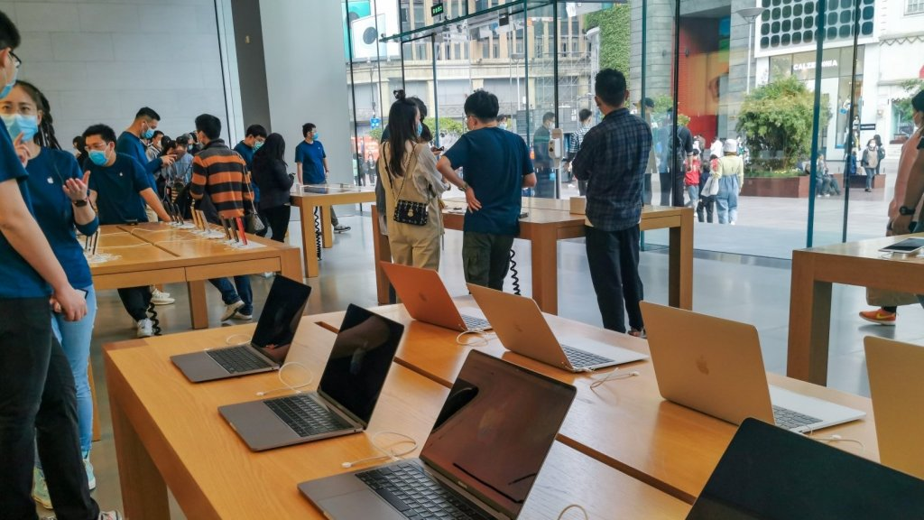 Apple Is Slowly Reopening Its Stores. It Could Be a Model