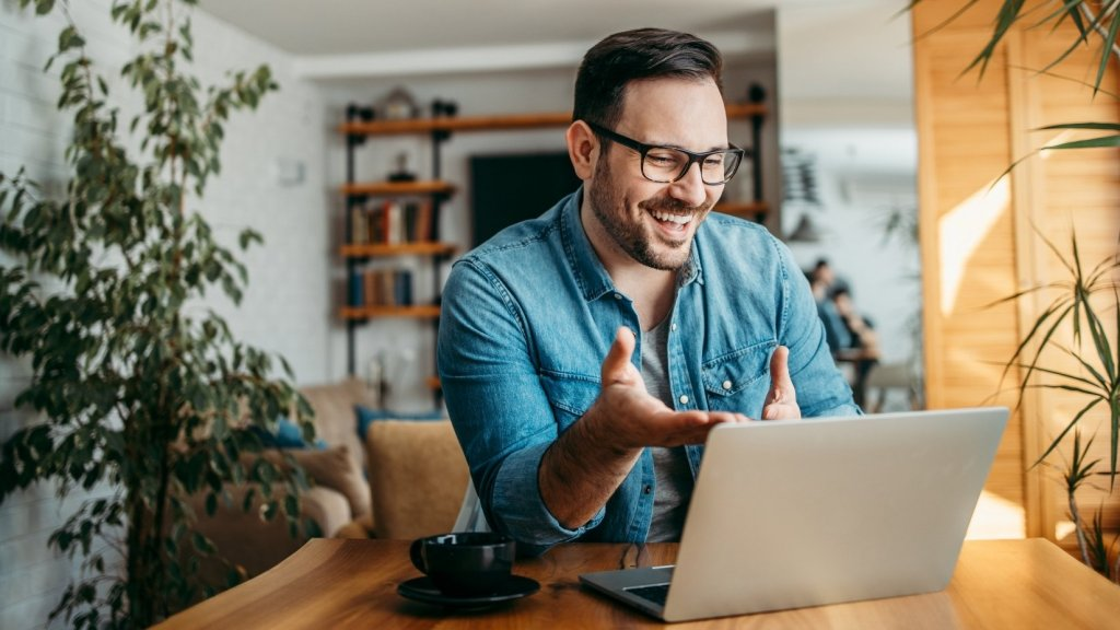 5 Ways to Look Your Best on Your Next Zoom Meeting