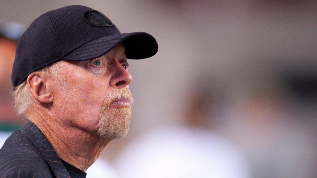 Nike Founder Phil Knight Reveals the Secrets to Starting a Company Knowing Nothing