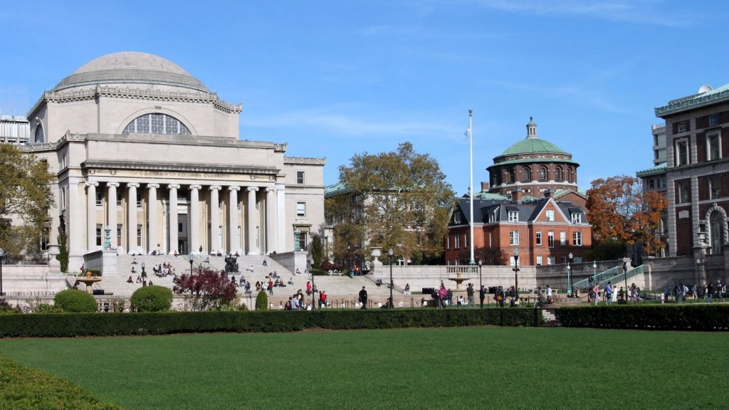 10 Signs U.S. Universities Are Sabotaging Themselves