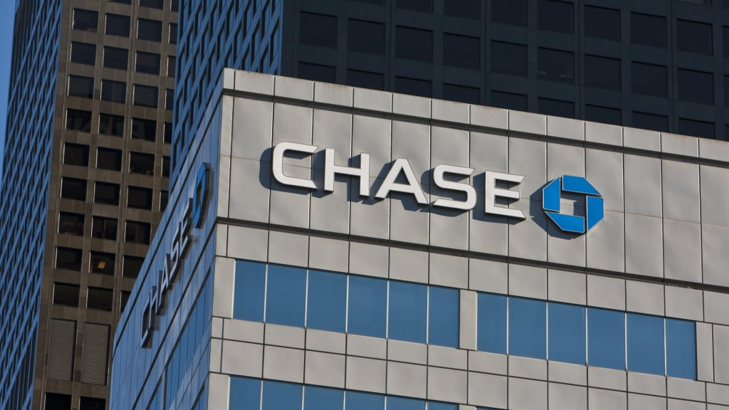 This A.I. Bot Writes Such Convincing Ads, Chase Just 'Hired' It to Write Marketing Copy
