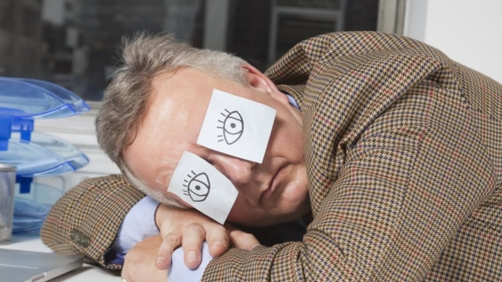 5 Ways to Sneak a Power Nap at Work