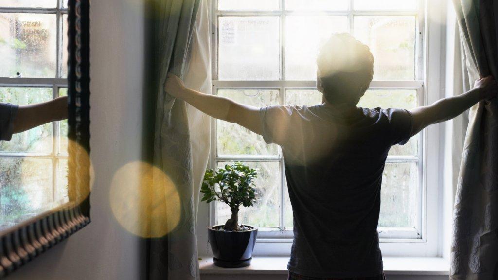 4 Reasons Why You Should Wake Up at 4:22 A.M.