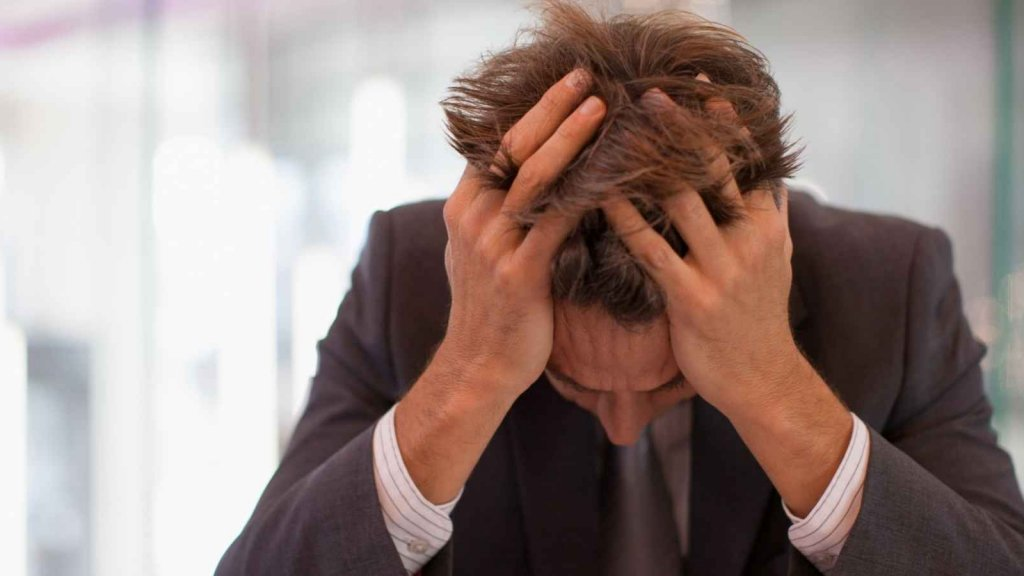 5 Ways Mentally Tough People Deal With Stress and Anxiety