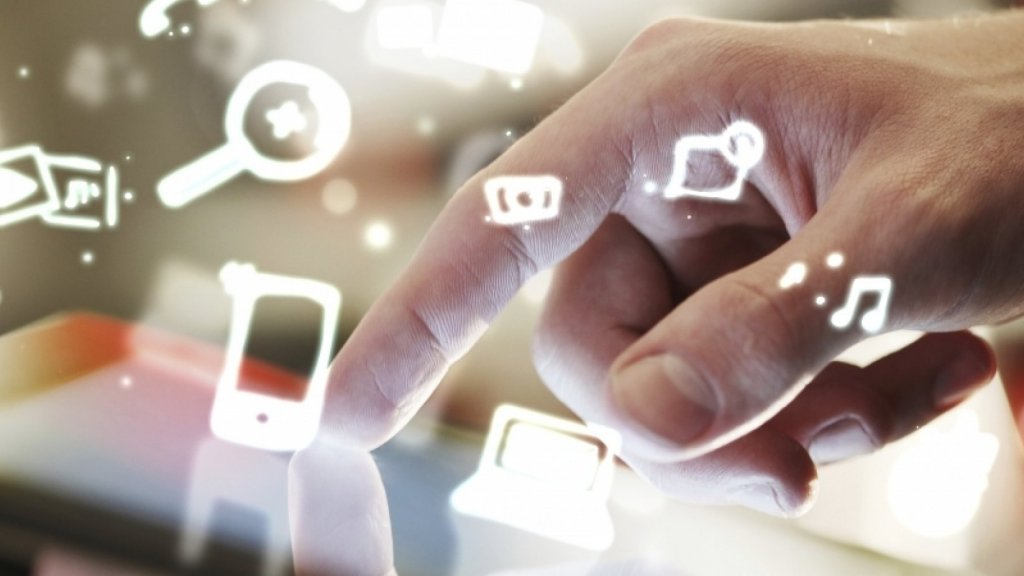 Research Shows Challenges of Using Social Media for Customer Services
