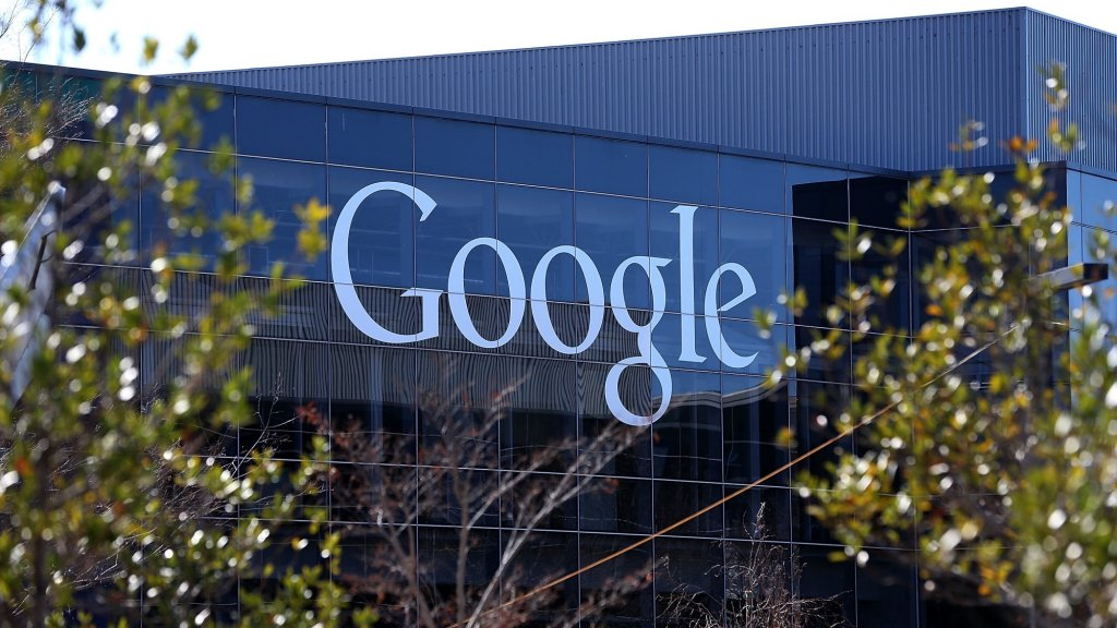 Google Says It Will Be Powered Entirely by Solar and Wind Energy Next Year
