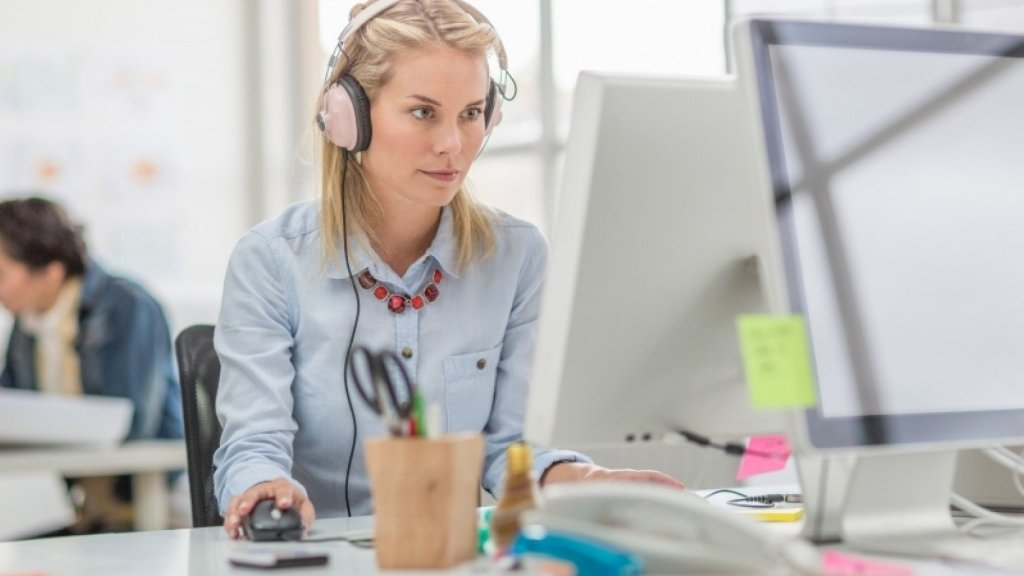 6 Songs That Will Motivate You to Work Harder Today