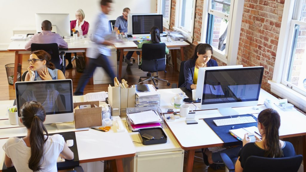 The Benefits of Showing Off Your Workplace on Social Media