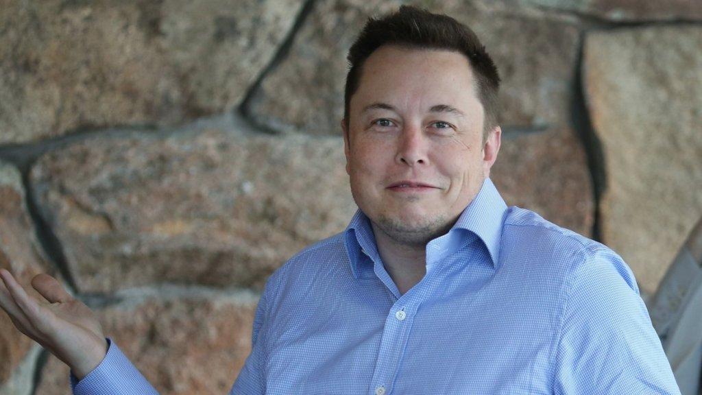 Elon Musk's 'I Love Floors' Tweet Is a 3-Word Masterclass in Marketing