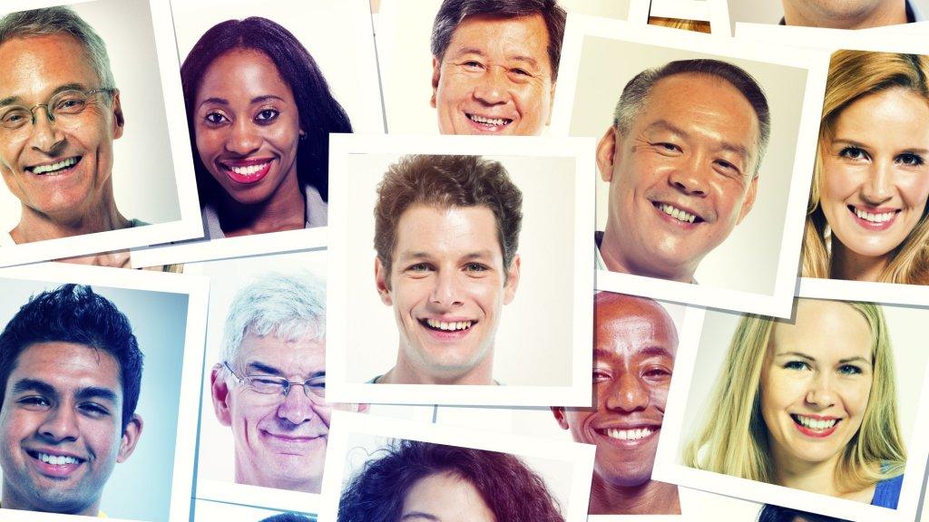 8 Secrets of Perfect LinkedIn Headshots