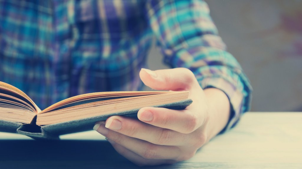 5 Billionaires Who Credit Their Success to Reading