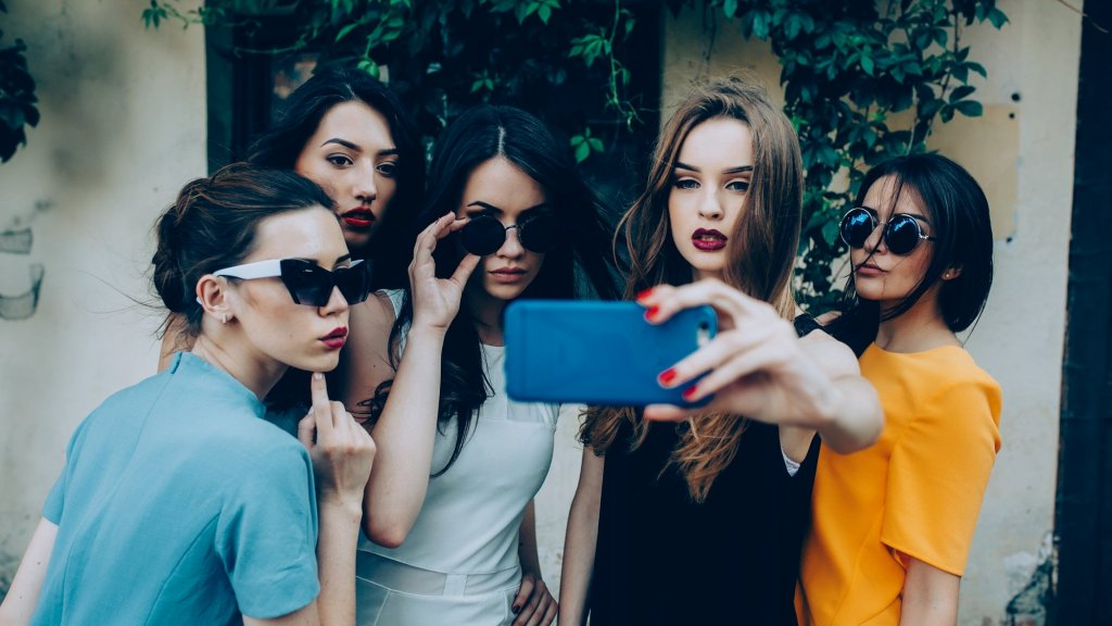 Absolutely the Worst Ways to Become an Instagram Star in 2019