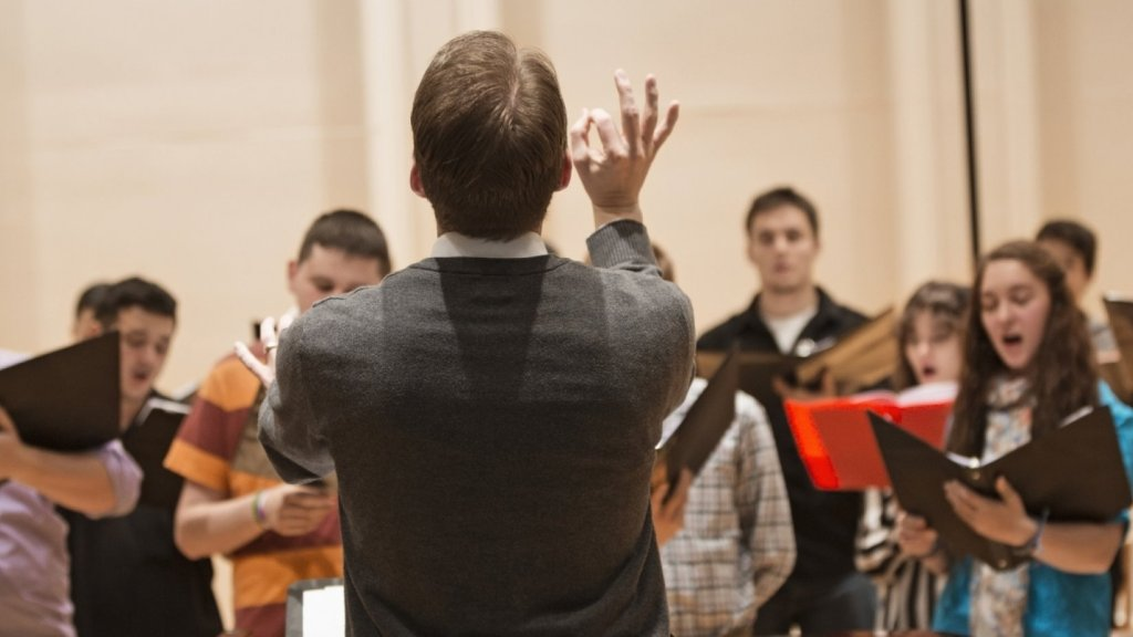 Why Singing in a Choir Makes Workers Genuinely Happy (and How to Make Your Own)