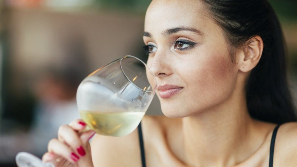 Enjoy 3 Glasses of Wine a Day? This 29-Year Study Says You Might Live Till You're 85