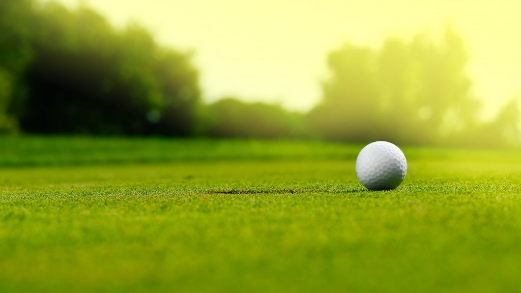 Golf Champ Denied Trophy Because She's a Girl Raises Uncomfortable Questions for Any Team