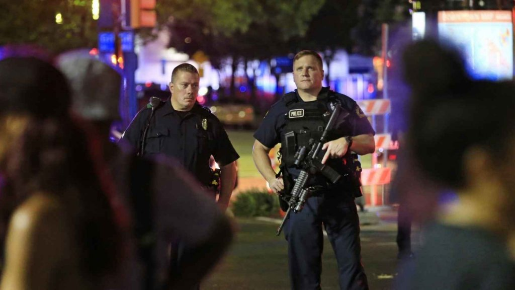 Military Experts Suspected Dallas Shooter Was a Trained Professional