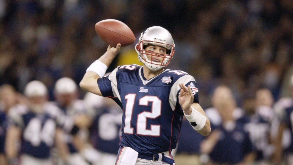 The 4 Words Tom Brady Says to Every New Patriots Teammate Are a Brilliant Lesson in Emotional Intelligence