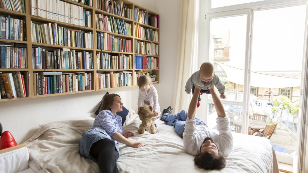 How to Make Sure Your Child Is Good at Math and Tech: Have a House Full of Books