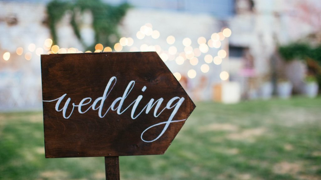 Wedding Guest Etiquette in a Professional Relationship