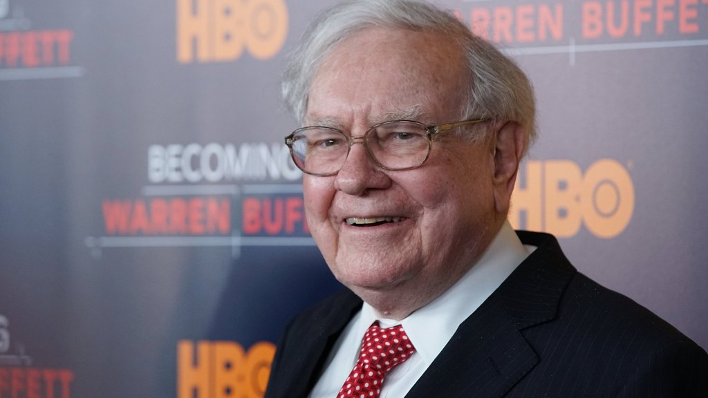 In 1 Simple Sentence, Warren Buffet Explains the Power of Personal Branding
