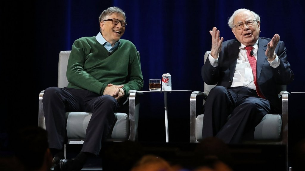 Bill Gates Always Turns to Warren Buffett for Advice. Here Are 4 Great Tips He's Received Over 25 Years