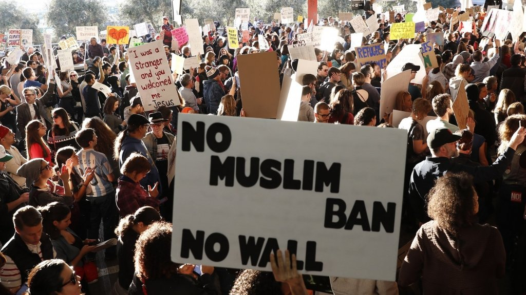 Silicon Valley Steps Up, Fighting Trump's Immigration Ban With Words and Dollars
