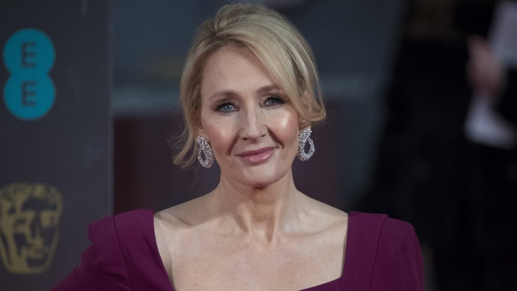 J.K. Rowling's Viral Hate Tweet Proves the Most Successful People Wake Up Whenever the Heck They Want, Not Just at 4 a.m.